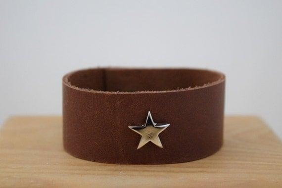 Brown cuff,brown bracelet,stars bracelet,stars cuff,leather cuffs,brown leather cuff,leather bracelet,leather cuff,leather stars cuff,kawaii