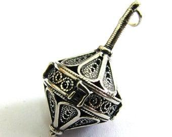 Dreidel Pendant 925 Sterling Silver, Filigree, Hanukkah Gift, Jewish Jewelry, Artisan Judaica, Hanukkah Game, Deidels - Free Shipping ID937