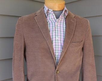 vintage 1960's Men's narrow lapel - 3/2 Roll 'sack' sport coat. Earthy color corduroy. Western retailer. Size 38 - 39