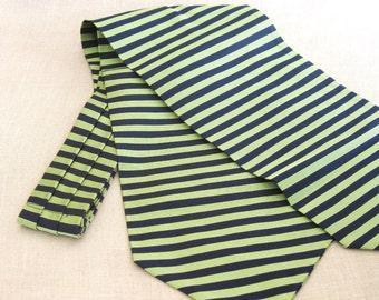 Vintage, Ascot, Mens Ascot, Cravat, Neck Wear, Necktie, Brooks Brothers, Silk, Apple Green, Preppy, Fashion Accessories, Designer, Green Tie