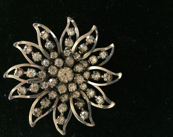 Vintage Silvertone Flower With Clear Rhinestones