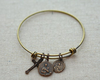 MERRY DEAL - Mother's Expandable Bangle - St. Gerard - Our Lady of La Leche - Crucifix - Expandable Bracelet