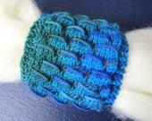 Spinning Wrist Distaff, Knitted