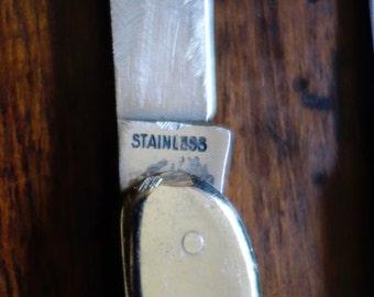 3 pocket knives 2 vintage  pocket knife mother of pearl one new...