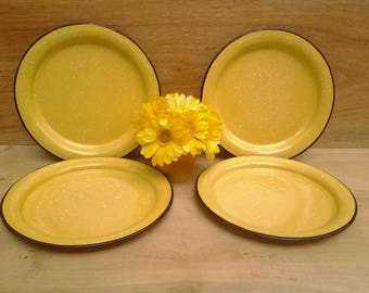 Vintage enamelware plates - yellow enamelware - yellow graniteware - yellow kitchen - camping plates - outdoor dining - glamping dishes