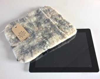 Boris - Wool iPad sleeve, felted iPad cover felted wool iPad case, sheepskin iPad sleeve, felt eco skin, Dutch design
