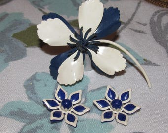 Vintage Flower Blue and White Enamel Brooch with Beau Jewels Flower Earrings