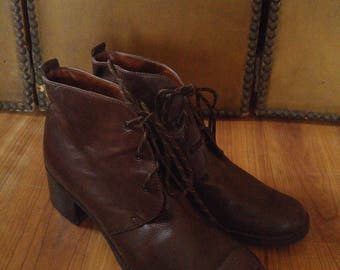 90s Etienne Aigner bown leather lace up high heel ankle boots