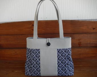 Fabric Handbag Purse Tote Bag Fashion Accessories Women Handbag PLeated Bag Large Shoulder Bag in Light gray with Scallop Print