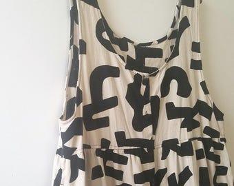 Vintage Oversized Black & White Abstract Print Jumper Dress