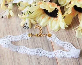 Floral white lace choker necklace | Dainty choker | Delicate choker | Romantic choker | Bohemian boho festival jewelry |