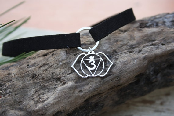 THIRD EYE CHAKRA -Chakra Necklace- Om Necklace- Flower- Chakra symbols- Yoga- Spiritual- Crystals- Reiki Necklace- Party- Third eye Necklace