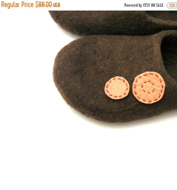 Felted wool slippers Brown and peach -  made to order - autumn fall winter fashion - wool clogs - cozy home shoes - Valentines gift
