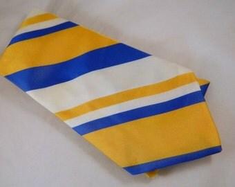 Vintage Tie / Wide Striped Necktie in Blue, Yellow and White Stripes / Tri-Lobal Yarn Tie