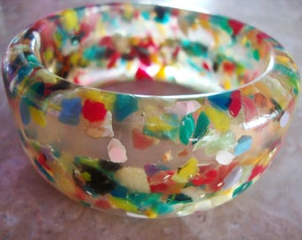 THICK MULTICOLOR CONFETTI Clear and Opaque Blue Green Red Yellow Black White Encased Heavy Floating Chips Hand Made Resin Bangle Bracelet