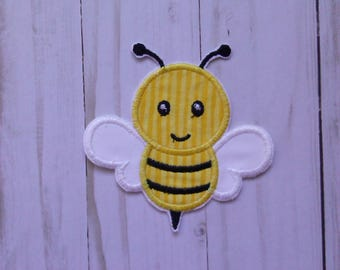 bumble bee patch/ honey bee iron on patch/ bee badge