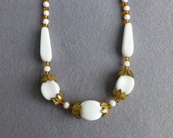 1940s White Beaded Necklace with Gold Toned Organic Accents