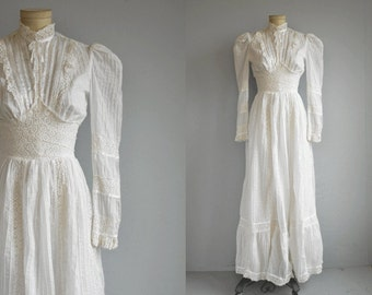 Vintage 1970s Maxi Dress / 70s Long White Lace Boho Mexican Wedding Dress / Victorian Style