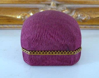 Small Plum Color Fabric Ring Box Display Ring Holder Brass Color Decoration