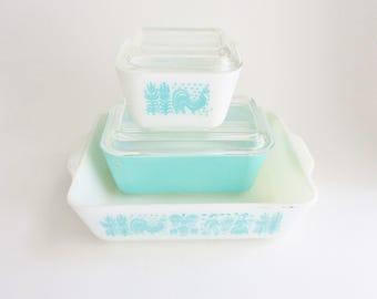 Vintage Turquoise Pyrex Amish Butterprint Set of 3 Aqua Refrigerator Casserole Dishes Glass Lids