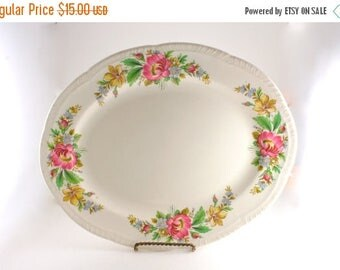 20% OFF SALE 40's Vintage Floral Serving Platter by Homer Laughlin, Spring Wreath by HOMER Laughlin Co