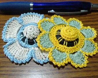 Button flowers #bf08 lot of 2 crochet appliques bouquet decoration adornment embellishment motifs wedding birthday