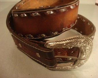 Vintage 1980s Distressed Custom Tooled Leather Texas Cowboy/Cowgirl Belt with Silver Threaded Detail Unisex