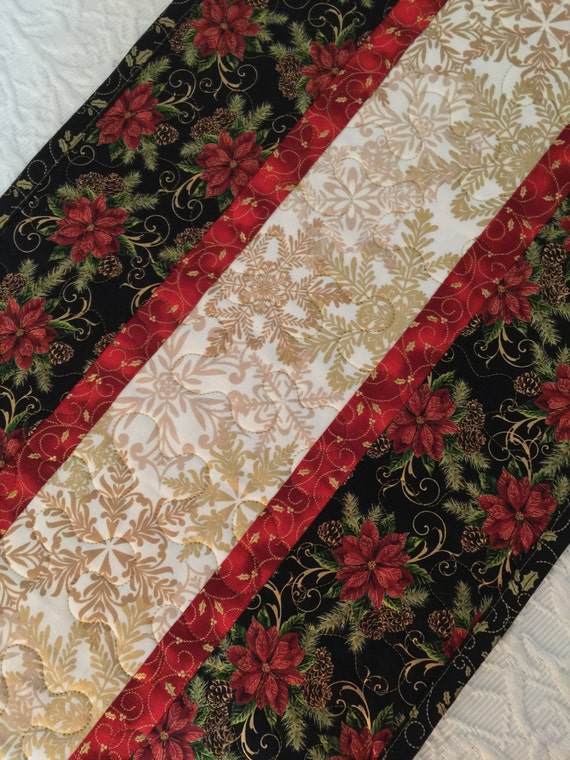 christmas table runner quilt black red white gold. Black Bedroom Furniture Sets. Home Design Ideas
