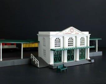 Vintage PlasticVille USA Union Station Kit Model Railroad Train Depot Scenery