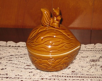 Vintage Ceramic Nut Dish, Squirrel Sitting on a Walnut, Nut Dish, Candy Dish, Snack Bowl, Trinket Bowl