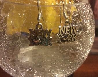 New York City big apple silver tone metal charm dangle hook earrings
