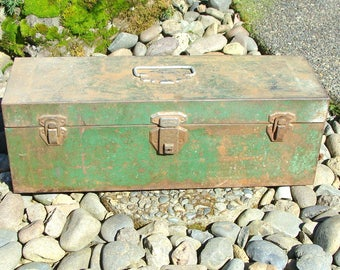Old Union Steel Chest Tackle or Tool Box, w/ Removable Steel Tray, Has Some Old Fishing Stuff Too!