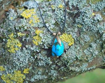 Blue Raw Magnesite Choker Gemstone Pendant Amulet, Minimalist Blue Pendant, Boho Hippie Stone Amulet, Turquoise Unisex Pendant, Blue Flower