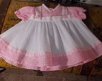 Winnie the Pooh pink and white baby dress Sears and Roebuck, Vintage Baby girl Dress, Baby Girl Dress, Pleated Baby Girls Dress, Made in USA