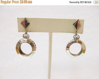 On Sale Vintage Silver Tone Dangle Earrings Item K # 2966