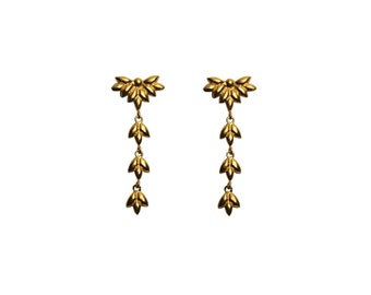Foliage long earrings in gold plated silver