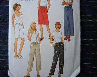 2006 sewing pattern Butterick 3460 misses skirt shorts and pants UNCUT size 8-10-12