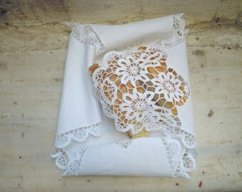 Hand crochet bread basket cloth - Gift Idea- Flowers design - Decor doily- Bread serving cloth - Giveaway present- Small gifts -608