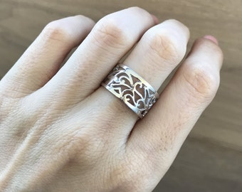 Floral Motif Band- Cut-Out Vine Ring- Silhouette Leaf Wedding Band-