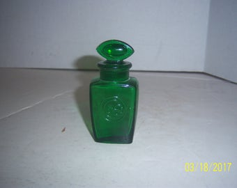 1890's Colgate & Co NY 3 1/2 inch tall emerald green smelling salts perfume bottle with stopper