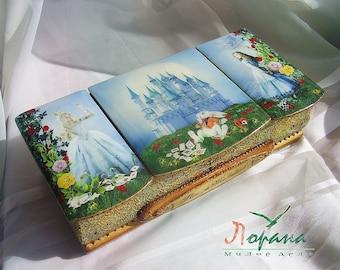 "Original Box ""Alice in Wonderland"". Handcrafted"