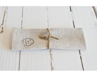 Napkin in natural light linen and hemp, sustainable and eco-friendly towel round his