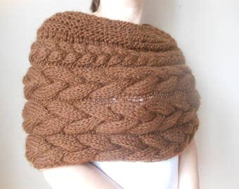 Cable Knitted Shawl Capelet Wedding Shrug Poncho Neck Warmer  Chocolate Brown