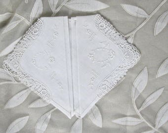 Edwardian Batiste White Lace Handkerchiefs.....  Set of 2,,,,,,,,  MINT CONDITION