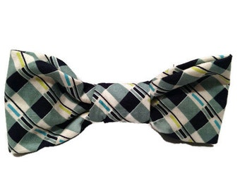 Blue School Plaid dog bow tie, plaid bow tie, blue bow tie, dog bow tie, plaid dog bow tie