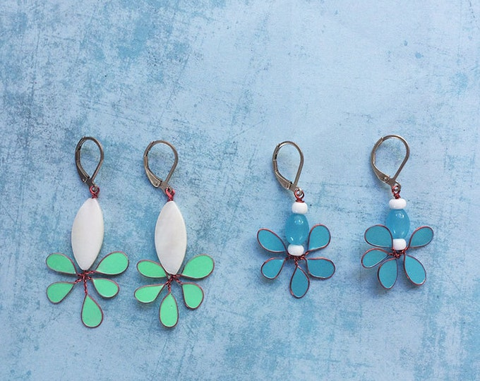 Dangle and Drop Earrings - floral earrings - pending earrings