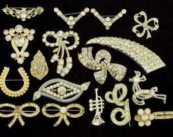 Vintage Rhinestone Costume Jewelry Lot 17 Pieces 1930s to 1950s AS IS ~ Lot 1161