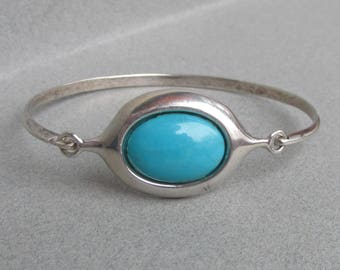 Vintage Clasp Top Sterling Silver Turquoise Bangle Bracelet