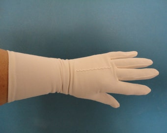 Vintage Ivory Nylon Mid Length Classic Gloves with Central Point to Back - 1960s - Size 6.5 to 7 - Wedding/Prom/Cruise/Goodwood/Revival