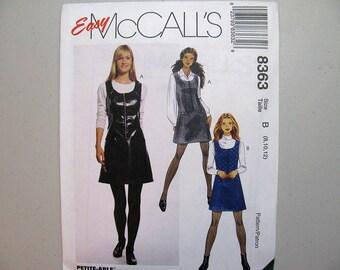 Vintage McCalls 8363 Jumper Sewing Pattern - Sizes 8, 10, 12 - Front Zippered Jumper Pattern - Vintage Sewing Supplies - Misses Pattern